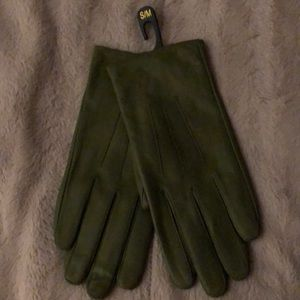Accessories - Ladies green small/ medium leather gloves